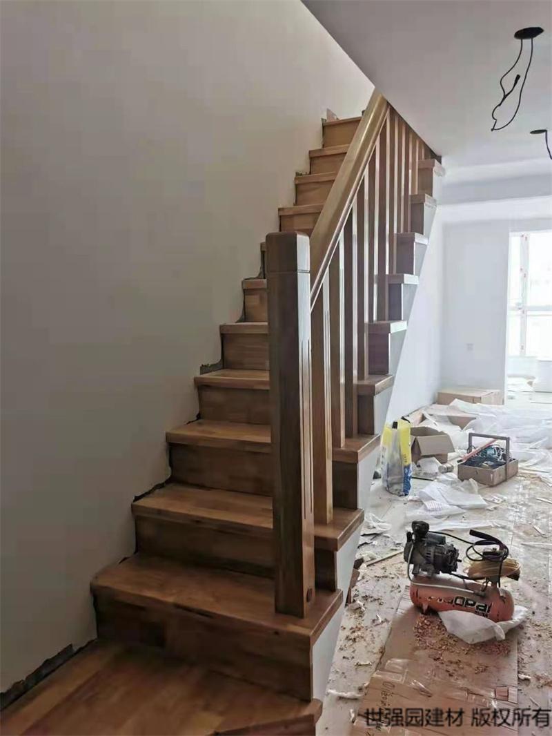 海口复式楼梯包实木踏步板_实木楼梯扶手